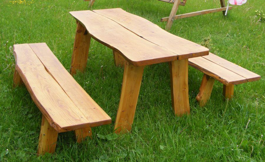 stol_z_lawkami.jpg